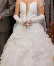 Продам свадебное платье размер 44-48,  рост 164-170      1 раз б/у